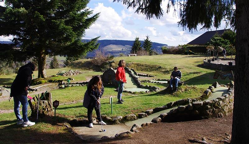 Jouez au golf tout en admirant le superbe panorama