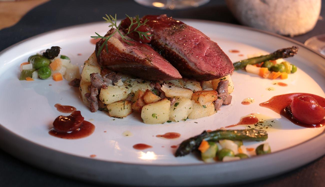 Plat de viande au Restaurant L'Etable à La Bresse en Alsace