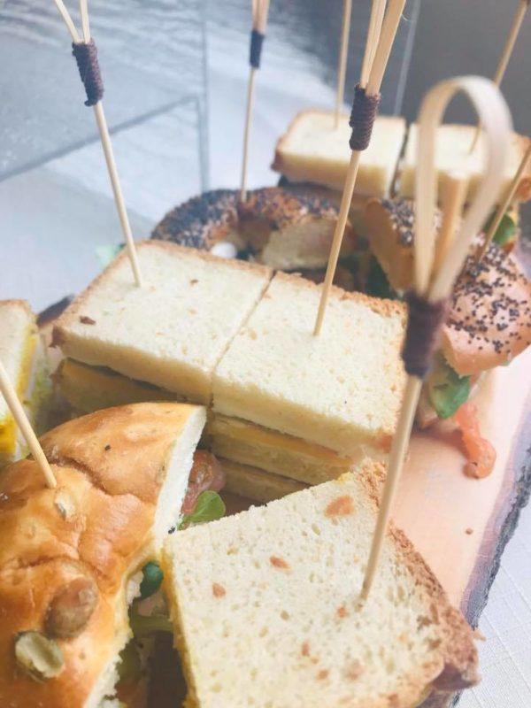 brunch-restaurant-etable-labresse-sandwichs