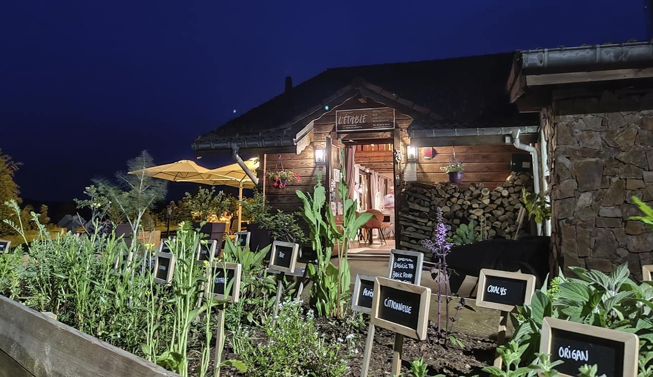 Le Restaurant L'Etable à La Bresse de nuit